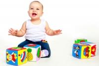 Как да подберем подходящи играчки за бебета?