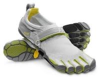 Минималистични спортни обувки Adidas