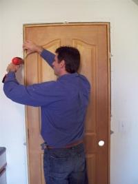 Монтиране на врати