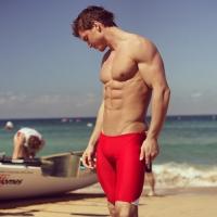 Най-популярните модели мъжки бански за сърф