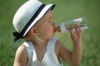Вода за пиене за кърмачето