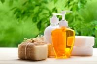 Защо е препоръчително да ползваме козметика с растителни съставки?